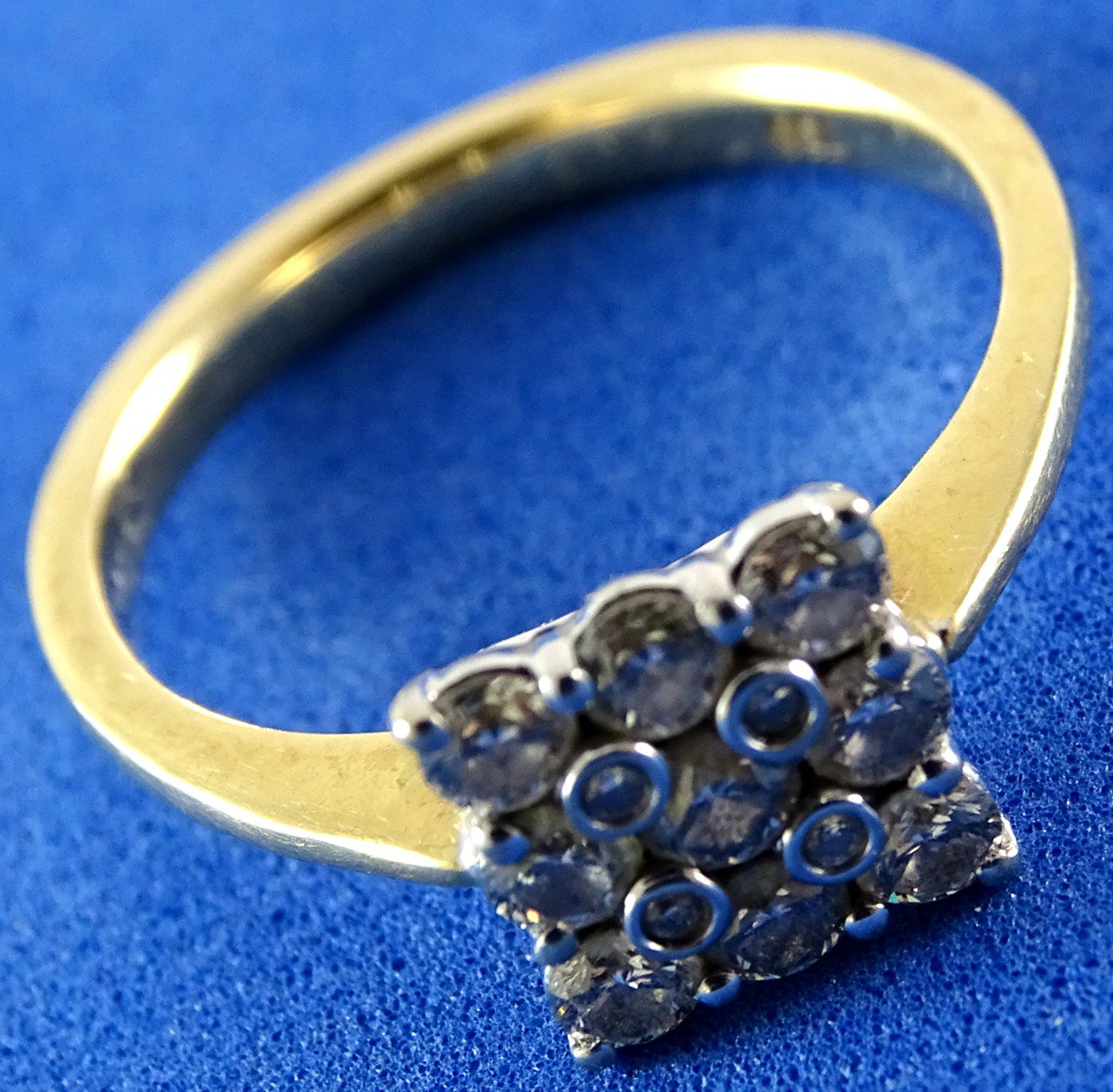 Secondhand Jewellery, Beautiful GOLDEN Ring 18Kt with 13 real ...
